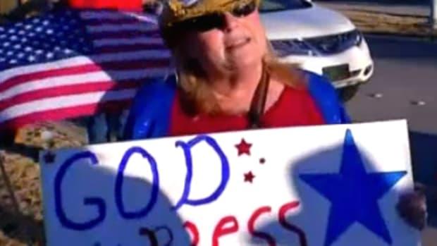 antimuslimprotester_featured.jpg