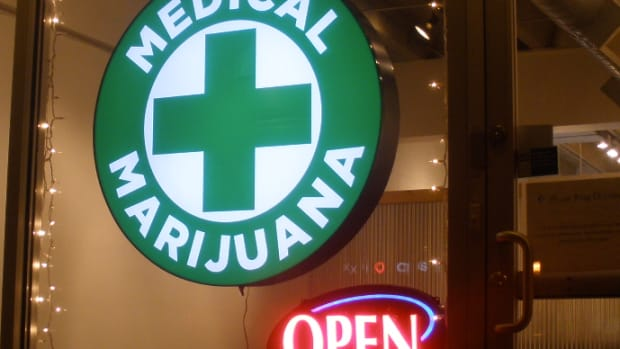 medicalmarijuanasign_featured.jpg
