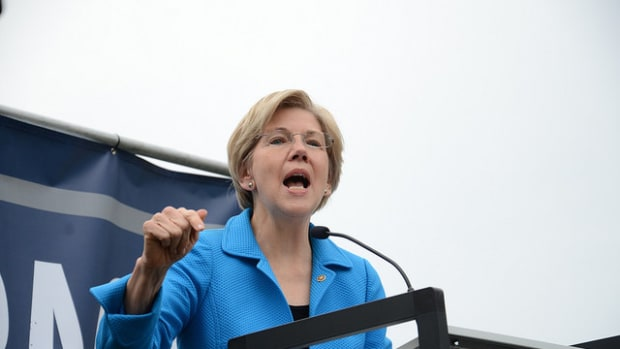 Elizabeth Warren: Trump Is No Business Prodigy Promo Image