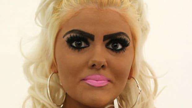 Aspiring Barbie Look-A-Like Realizes She Looks Like An Idiot, Makes Dramatic Change (Photos) Promo Image