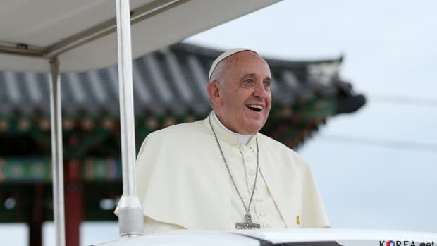Church Experts Question If Pope Francis Is 'Catholic' Promo Image