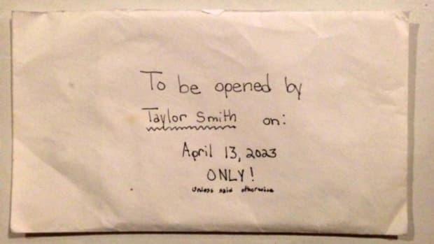 After Daughter Dies, Parents Find Secret Note (Photo) Promo Image