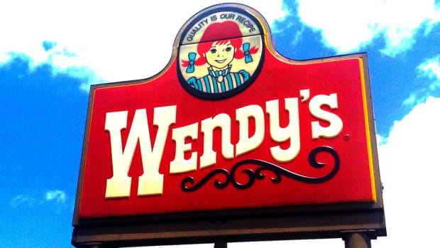 Woman Finds Razor Blade In Wendy's Cup (Photos) Promo Image