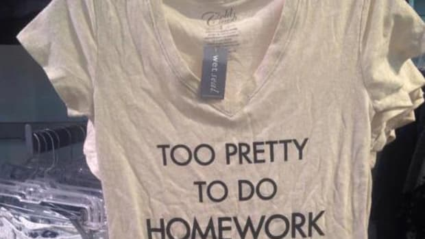 Too Pretty T-Shirt.