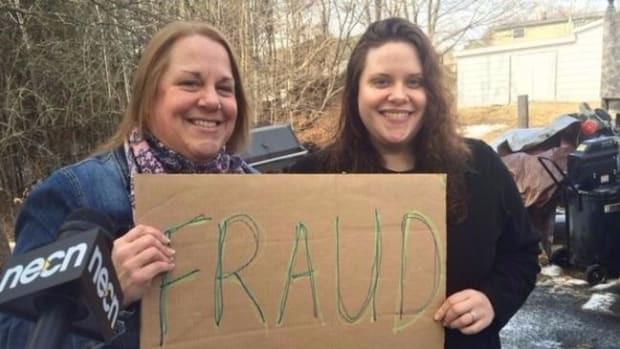 Mom, Daughter Stop Fake Panhandlers, Assaulted (Video) Promo Image