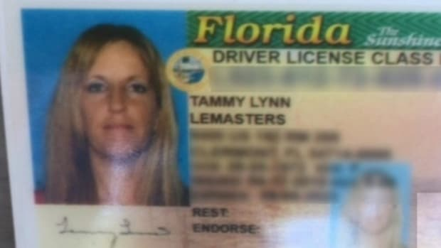 Mother Of 3 Realizes There's Something Very Wrong About Her License (Photo)  Promo Image