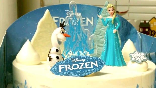 Religious Right: 'Frozen' Heroine Elsa Needs Boyfriend Promo Image
