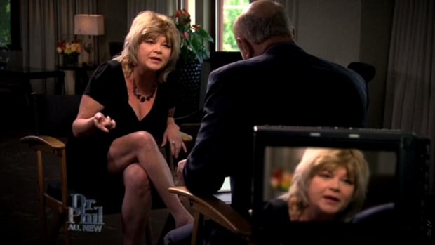 Michelle Childress speaking to Dr. Phil