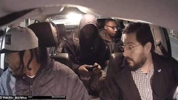 Uber Driver Dumps Alleged Drug Dealers (Video) Promo Image
