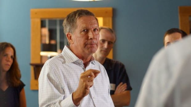 John Kasich Set To Suspended Campaign, Clear Path For Donald Trump Promo Image