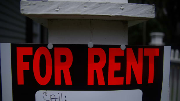 'For Rent' sign