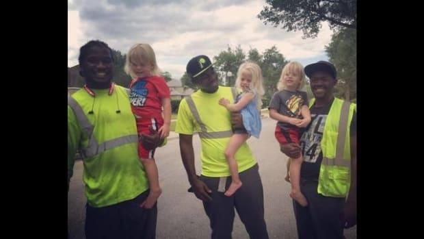 Viral Video Shows Toddlers Greeting Garbage Men (Video) Promo Image