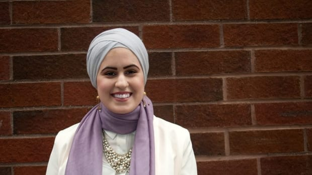 Muslim Woman Receives Threats On Social Media Promo Image