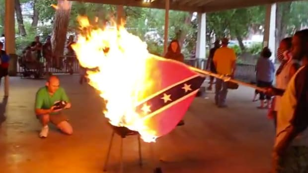 ConfederateFlagBurning.jpg