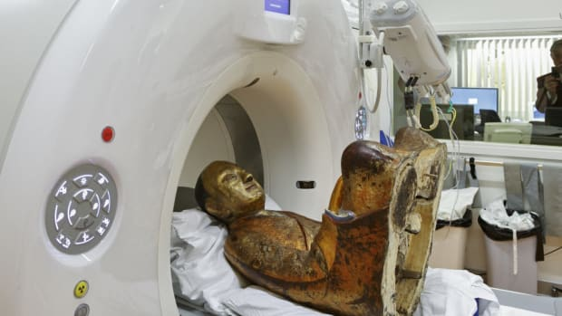 Scan Of 1,000-Year-Old Buddha Sculpture Leads To Remarkable Discovery (Photos) Promo Image