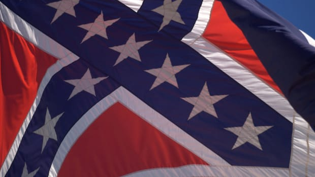 Mississippi: the confederate symbol stays on our flag Promo Image