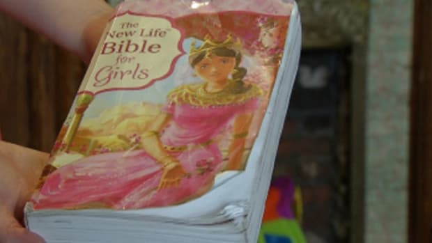 Student Says Teacher Wouldn't Let Her Read Bible Promo Image