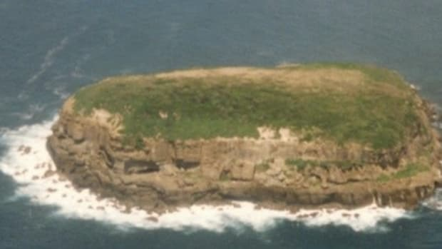 Navy Airship Spots Word Spelled Out On Island, Reacts Quickly (Photo) Promo Image