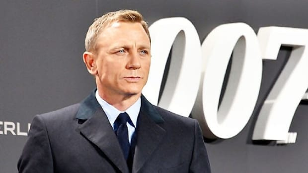 Daniel Craig Reportedly Turns Down $100M Offer To Return As Bond Promo Image