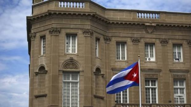 CubanFlagInWashingtonByReuters.jpg