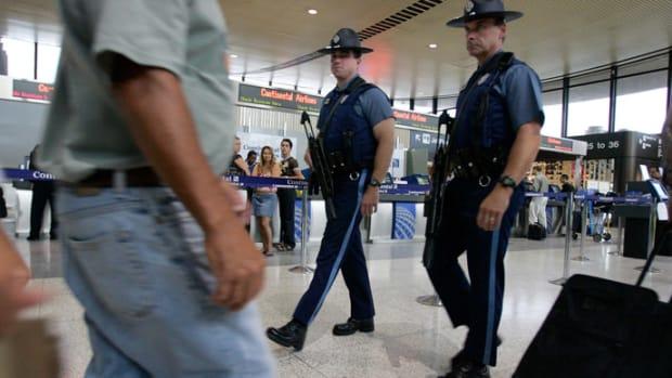 airportsecurity1.jpg