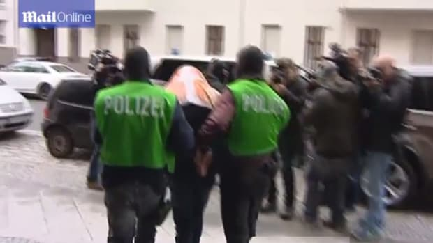 German police arrest suspects linked to ISIS