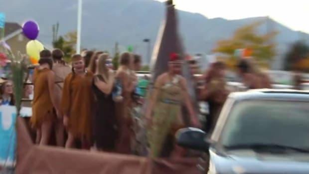 cheerleaders in Pocahontas costume
