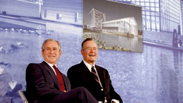 Former Bush Presidents Don't Plan To Endorse Trump Promo Image