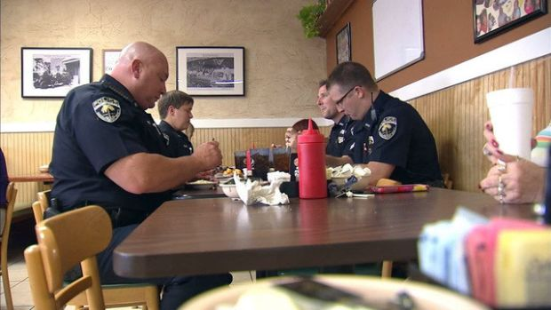 Restaurant Offers Free Meals To Police Officers (Video) Promo Image