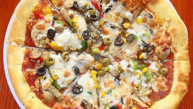 Mouse Poop Found In Little Caesars Pizza (Photos) Promo Image