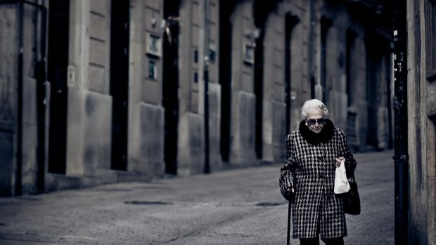 Man In 30s Only Dates Older Women (Photos) Promo Image