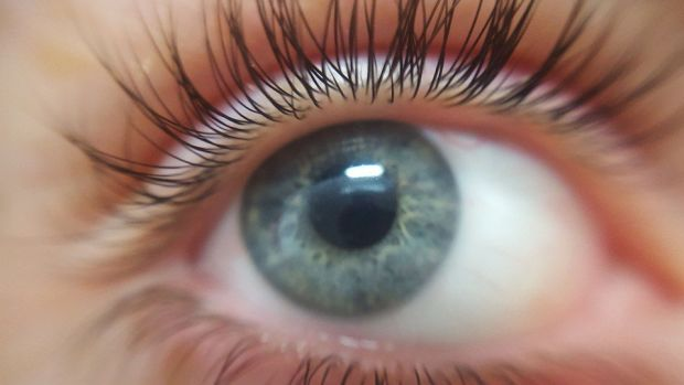 Woman's Eyelashes Fall Out After Botched Extension (Photos) Promo Image