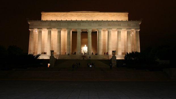 Man Accused Of Vandalizing Lincoln Memorial (Photo) Promo Image