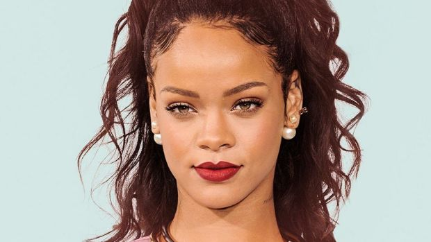 Rihanna's Cousin Shot One Day After Christmas Visit Promo Image