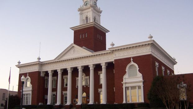lee_county_courthouse_alabama_2_featured.jpg