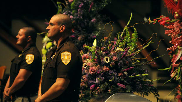 Lamar County Police Stand By Casket of Fallen Officer's Daughter