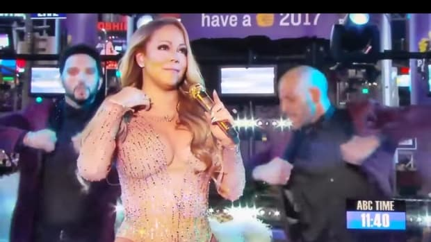 Mariah Carey Did Sound Check Before NYE Performance (Video) Promo Image