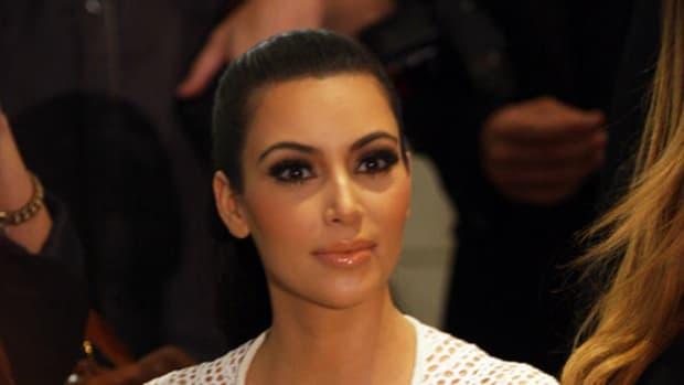 Kim Kardashian Reportedly Robbed In Paris (Video) Promo Image