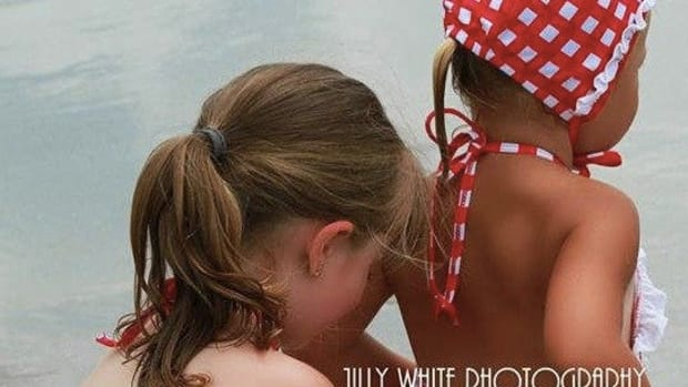 Facebook Bans Mom's Photo Of Her Little Girls For Being 'Inappropriate' (Photo) Promo Image