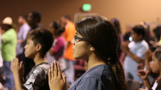 youth_praying_featured.jpg