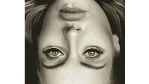 What Is Wrong With This Picture Of Adele? (Photos) Promo Image