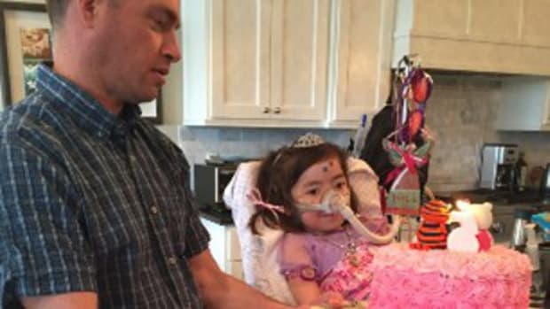 Terminally Ill Girl Who Chose To Die Passes Away At Home Promo Image