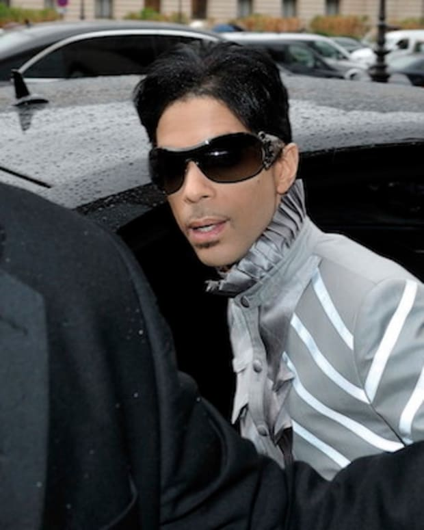 Prince's Death Preceded By Emergency Plane Landing Promo Image