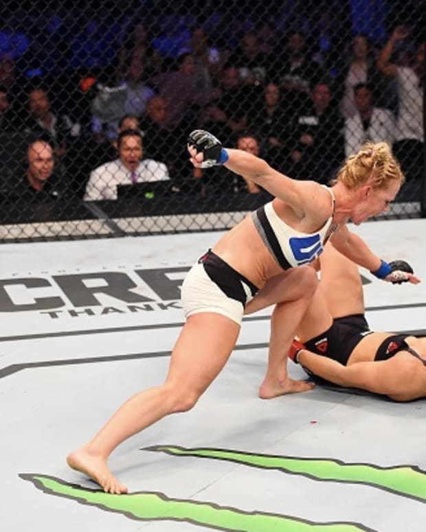 Holly Holm knocking out Ronda Rousey