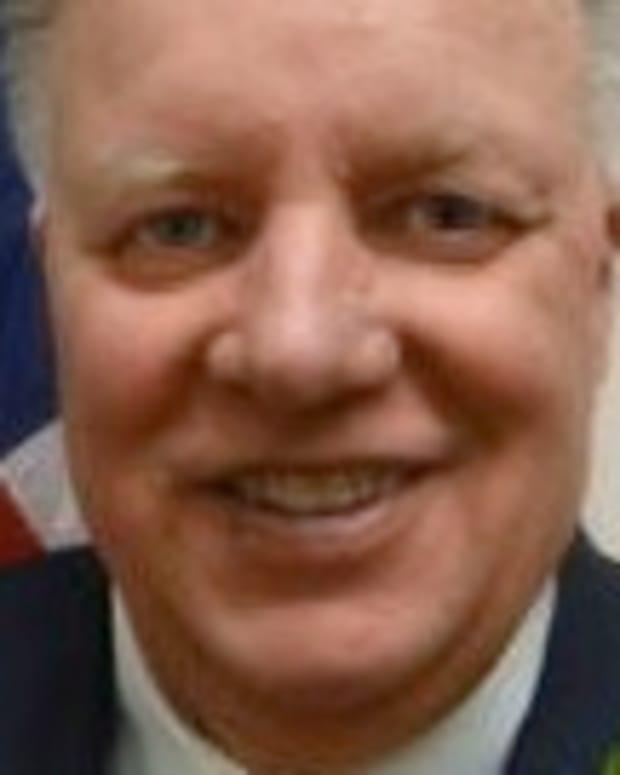 mayor Robert Macdonald