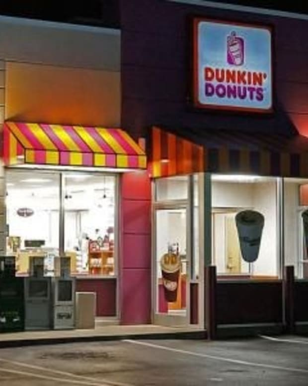 'He Wouldn't Look At My Face': Dunkin Donuts Worker Turns Away Woman For Odd Reason Promo Image