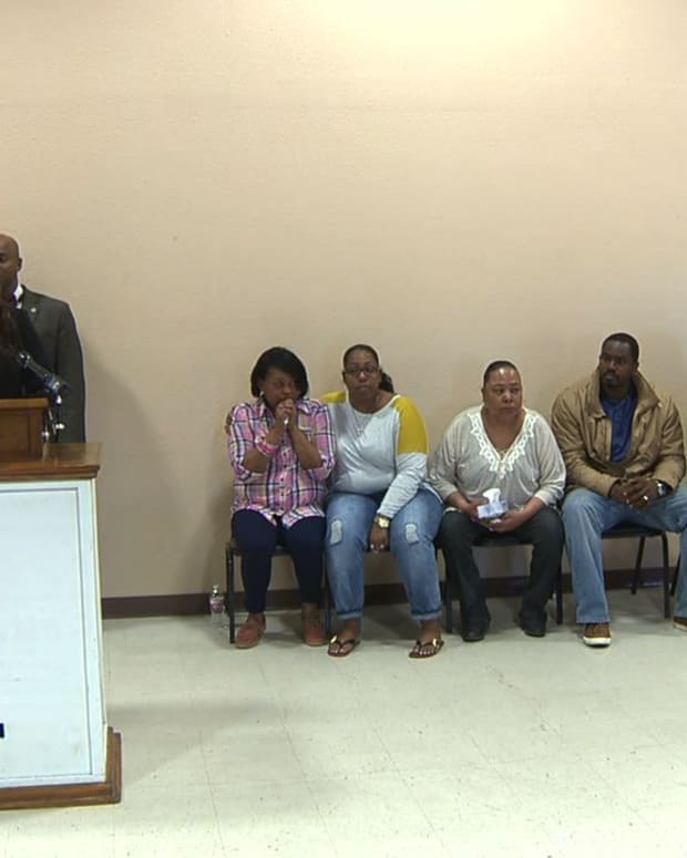 Community Leaders meet in the aftermath of Antronie Scott's death