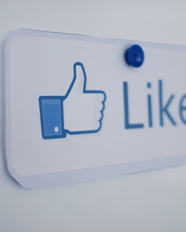 Study: How Social Media 'Likes' Affect Teenagers' Brains Promo Image