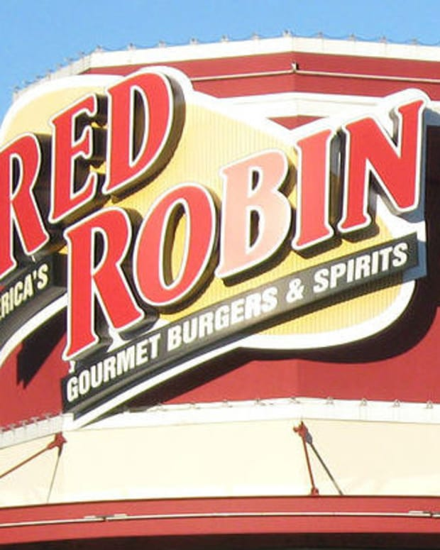 Red Robin Accused Of 'Stealing' From Customers Promo Image