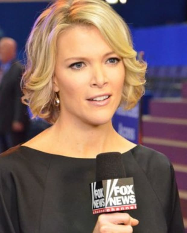 Megyn Kelly Defends GOP Candidates, Slams Clinton Promo Image